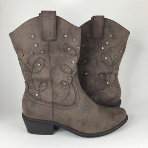 Cowgirl bejeweled Boots
